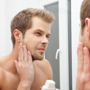 Comment se raser quand on a la peau sèche ou sensible?