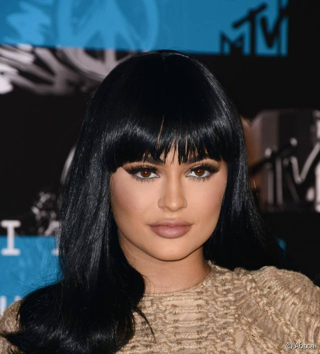 kylie jenner et ses cheveux v ritable cam l on elle ose tout beaut fr. Black Bedroom Furniture Sets. Home Design Ideas