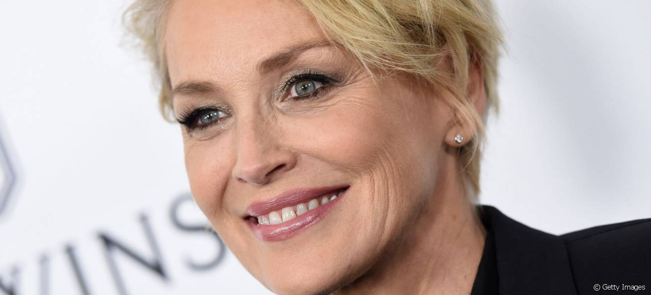 Derniere coupe de cheveux sharon stone for Coupe de cheveux sharone stone