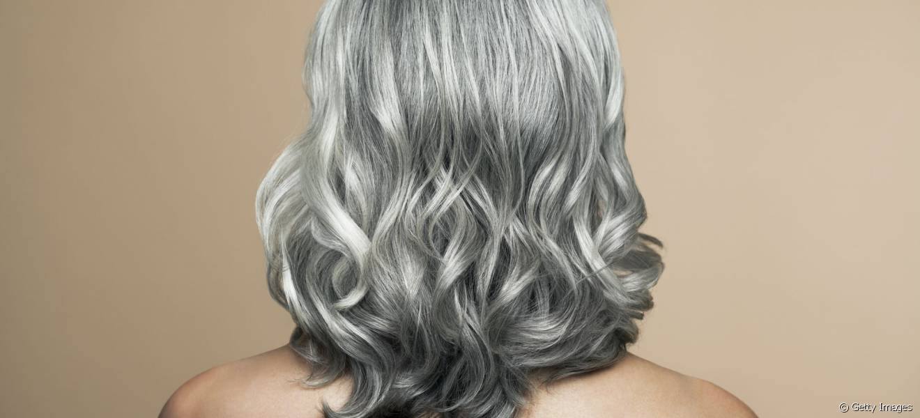 Colorer cheveux gris en blond