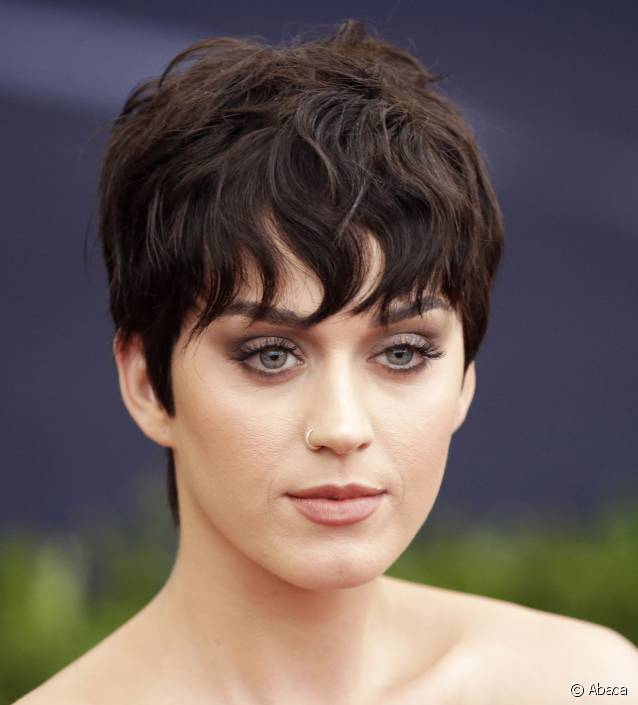 frange cheveux courts Katy Perry